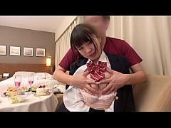 xxxสาวญี่ปุ่นนมโตโดนพ่อเลี้ยงของเธอเย็ดหีของเธอในบ้าน เย็ดคาชุดนักเรียนของเธอ
