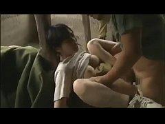 ๋Japanese xxx สาวดวงซวยโดนทหารชายเเดนจับมารุมเย็ดอย่างหื่นกาม ร้องลั่นทั้งเสียวทั้งเจ็บ