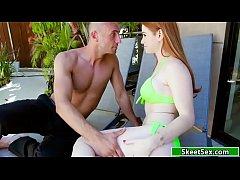 xxxฝรั่ง สาวสวยรัสเซียกับแฟนหนุ่มกระเป๋าหนักมาเปลี่ยนบรรยากาศเอากันริมสระน้ำ