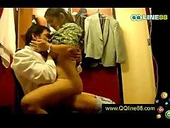 คลิปหลุด สจ๊วตกับแอร์โฮสเตสสาวของสายการบินเเอบเข้ามา มีเซ็กส์กันในห้องส่วนตัว