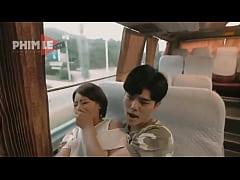 หนังโป๊Jav คู่รักหนุ่มสาวเงี่ยนเเอบเอากันบนรถประจำทางเลิกกระโปรงเอาควยยัดเเล้วขย่ม อย่างเสียวหี
